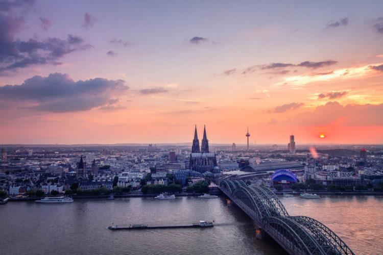 Triangel Turm, Köln, Deutschland